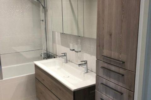 Rénovation d'une salle de bain avec baignoire